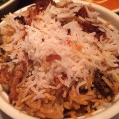 Photo taken at Jashan Celebrating Indian Cuisine by Fon T. on 6/14/2014