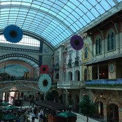 Photo taken at Mercato Mall مركز ميركاتو by Dorothee L. on 6/7/2013