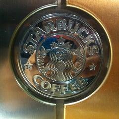 Photo taken at Starbucks by Javier K. on 7/25/2013