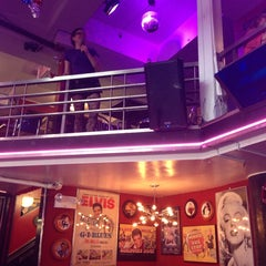 Photo taken at Ellen's Stardust Diner by Salem A. on 6/1/2013