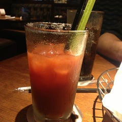 Photo taken at Red Lobster by Bea C. on 6/29/2013