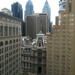 Photo taken at Philadelphia Marriott Downtown by Steve H. on 4/16/2013
