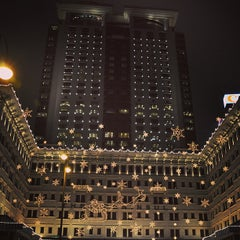 Photo taken at The Peninsula Hong Kong 香港半島酒店 by OOFY 大. on 12/25/2012
