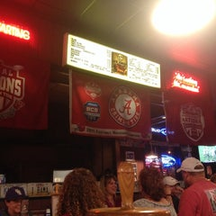 Photo taken at Dreamland Bar-B-Que Ribs by Chantel P. on 9/20/2014