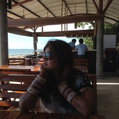 Photo taken at Amantra Resort & Spa Koh Lanta by Subro on 10/29/2013