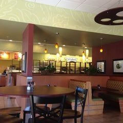 Photo taken at Crispers Fresh Salads, Soups and Sandwiches by AKGB72 K. on 10/25/2014