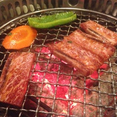 Photo taken at Iroha Yakiniku (อิโรฮะ) 焼肉 いろは by Rajé H. on 2/14/2015