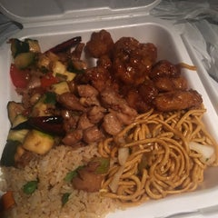 Photo taken at Panda Express by Consultant L. on 3/11/2016