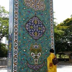 Photo taken at Muzium Kesenian Islam by Mierasha J. on 4/19/2014