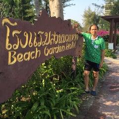 Photo taken at โรงแรมสวนบวกหาด (Beach Garden Hotel Cha-am) by พรชัย ร. on 1/17/2015