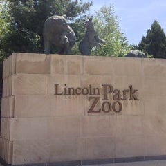 Photo taken at Lincoln Park Zoo by Favian G. on 5/18/2013
