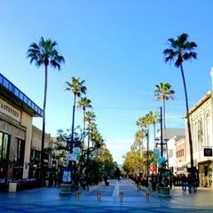 Photo taken at Third Street Promenade by Joey L. on 2/28/2013