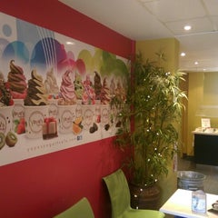 Photo taken at Yoyo's Yogurt Cafe by Mazamil A. on 9/1/2014