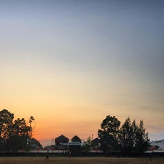Photo taken at Sekolah Tinggi Pertanahan Nasional (STPN) by Saddam R. on 9/21/2015