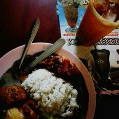 Photo taken at Restoran Al Sarjah by Oniy on 1/29/2014