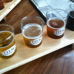 Photo taken at Ithaca Beer Co. Taproom by Emily B. on 8/31/2013