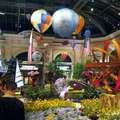 Photo taken at Bellagio Conservatory & Botanical Gardens by DyRn I. on 6/16/2012