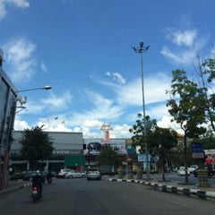 Photo taken at โรงแรมคิมซิตี้ (Hotel Kim City Lampang) by Prapoj M. on 12/31/2015
