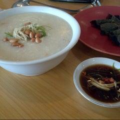 Photo taken at Laota Restaurant by Shandra U. on 11/25/2012