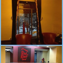 Photo taken at Red Roof Inn Chicago Downtown - Magnificent Mile by P. Dao on 2/27/2015
