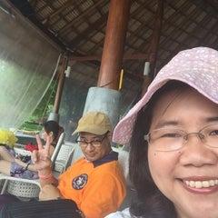 Photo taken at The Blue Sky Resort Koh Payam (เดอะบลูสกายรีสอร์ท เกาะพยาม) by Piya J. on 5/20/2015