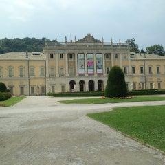 Photo taken at Villa Olmo by Владислав К. on 7/24/2015