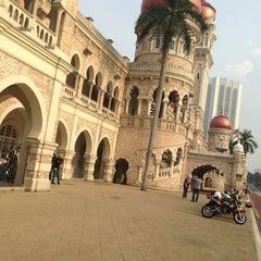 Photo taken at Independence Square (Dataran Merdeka) by Ian Z. on 7/28/2013