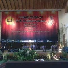 Photo taken at Universitas Pasundan (UNPAS) by Nurmala N. on 3/24/2014