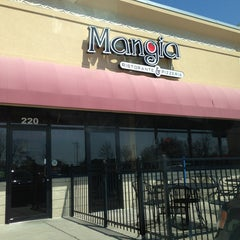 Photo taken at Mangia Ristorante & Pizzeria by Amber D. on 3/28/2013