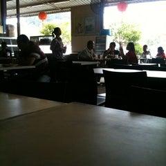 Photo taken at Batu Niah Food Court by Tobing O. on 2/19/2013