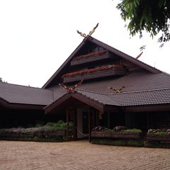 Photo taken at พระตำหนักดอยตุง (Doi Tung Royal Villa) by Julia A. on 5/6/2014