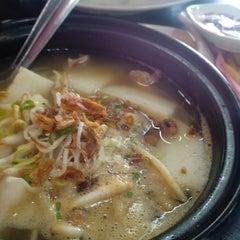Photo taken at BARYANI GAM 88 - Katering & Western Food by Nur A. on 10/27/2013