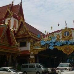 Photo taken at วัดเทพลีลา พระอารามหลวง (Wat Thep Leela) by Mami H. on 4/14/2013