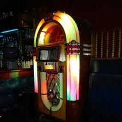 Photo taken at Anchor Restaurant & Bar by Alan Z. on 9/12/2014