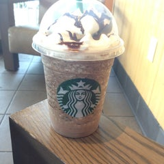Photo taken at Starbucks by Victor G. on 4/17/2013
