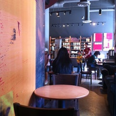 Photo taken at Starbucks by Muerta R. on 7/5/2011