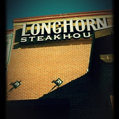 Photo taken at LongHorn Steakhouse by Marcee L. on 2/26/2012