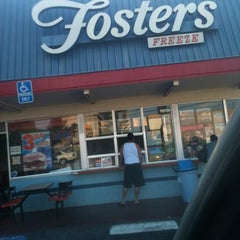 Photo taken at Foster's Freeze by Lupe H. on 8/12/2011
