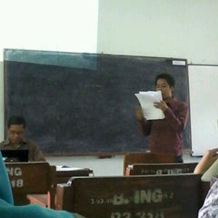 Photo taken at B3-319 Los Angeles Class English Department UNNES by Aprilya Dwi P. on 9/10/2012