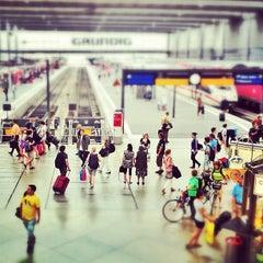 Photo taken at München Hauptbahnhof by Essa A. on 8/24/2012