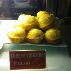 Photo taken at Cafe Eduardo by Philip Andrew on 2/2/2012