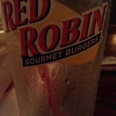 Photo taken at Red Robin Gourmet Burgers by Alli W. on 9/15/2011