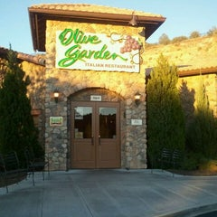 Photo taken at Olive Garden by J.C. C. on 9/26/2011
