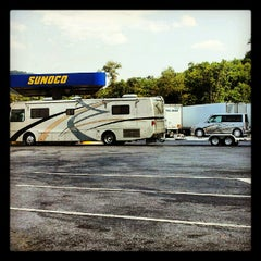 Photo taken at South Midway Service Plaza by Ramy S. on 8/8/2012