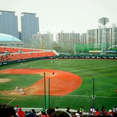 Photo taken at 목동야구장 (Mokdong Baseball Stadium) by Min Hyuk K. on 4/17/2011