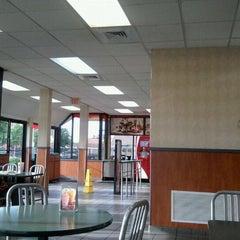 Photo taken at Burger King® by Darrin B. on 5/18/2012