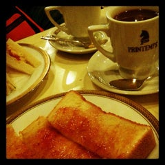 Photo taken at プランタン 天満店 by acchi24 on 10/23/2011