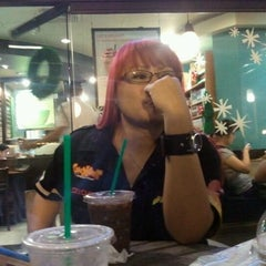 Photo taken at Starbucks Coffee by Erick U. on 12/7/2011