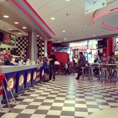 Photo taken at Burger King by val d. on 7/7/2012