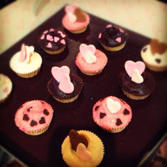 Photo taken at The Hummingbird Bakery by Ghambarbie T. on 2/2/2012